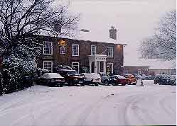 The Boyne Arms. start venue, in the snow (Photo by Roger McDonald)